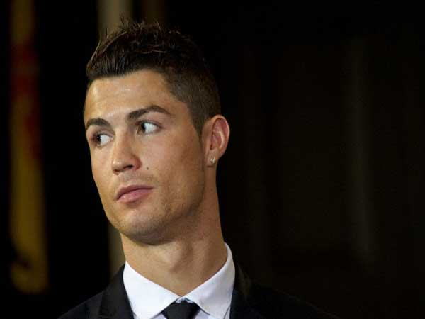 Cristiano Ronaldo – Cầu thủ đẹp trai nhất thế giới